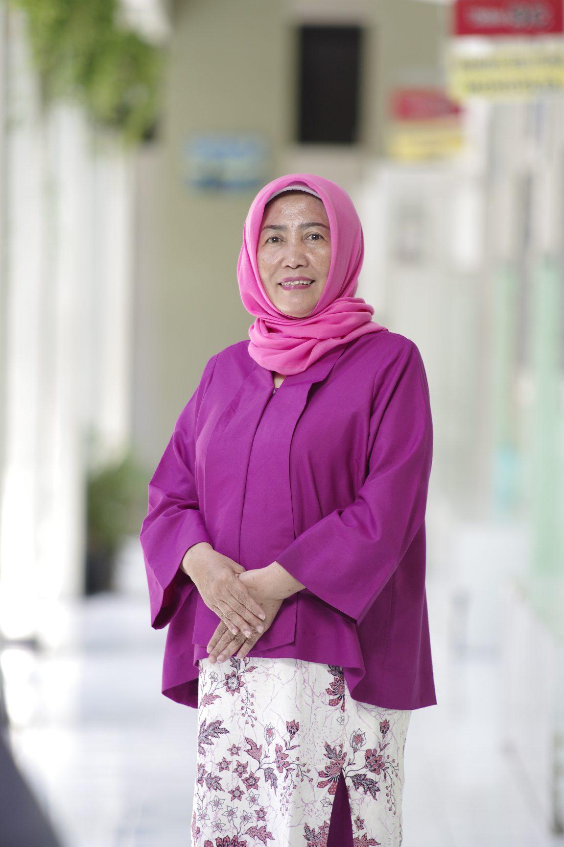 Dra. Arindyah Susanti, M.Pd.