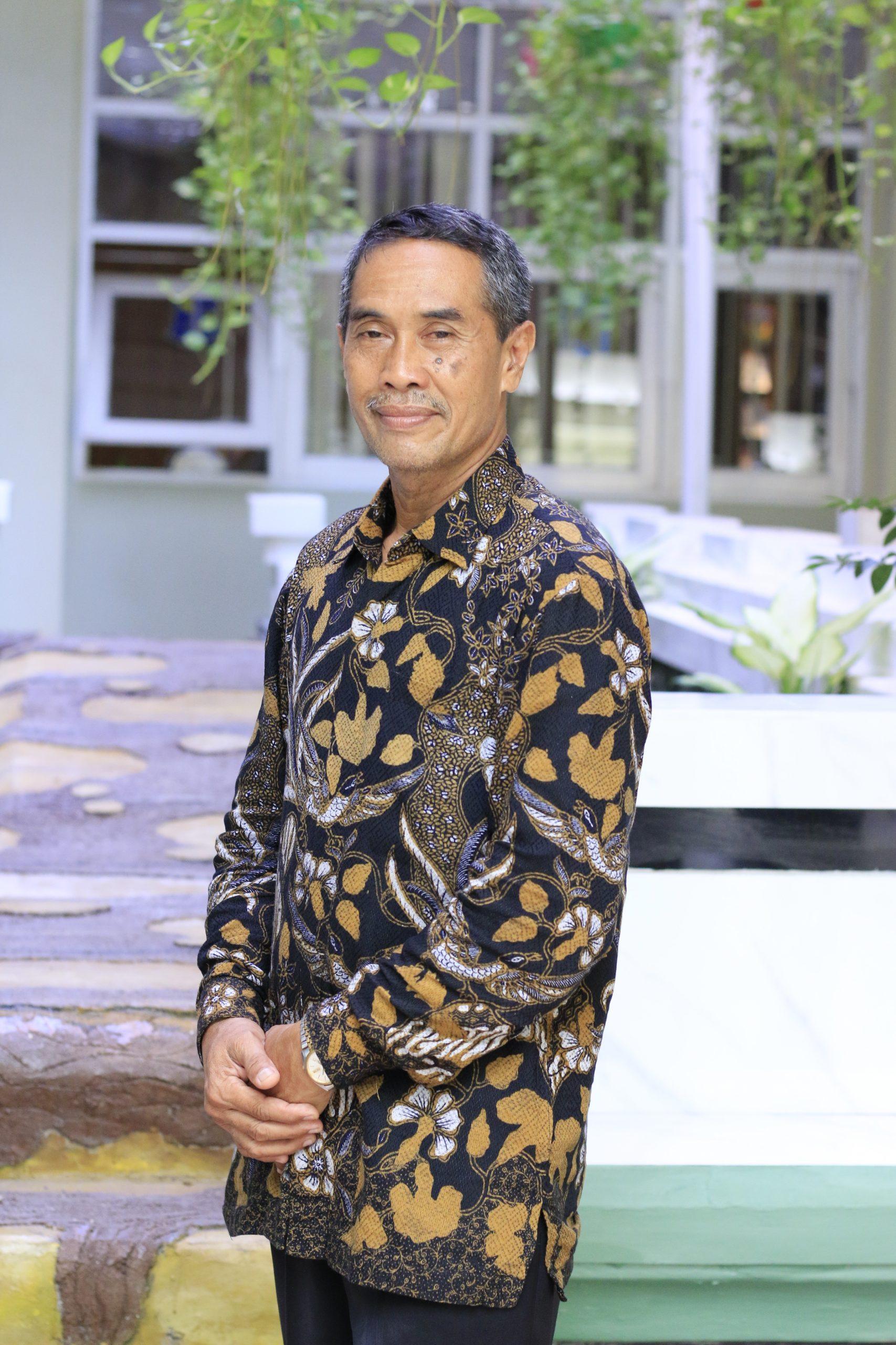 Drs. Aries Dwi Hari Poernomo